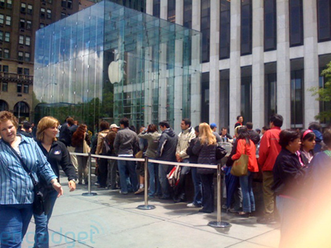 Standing in Line At APPLE