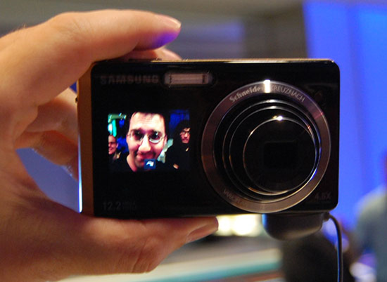 Samsung TL225 front facing lcd camera
