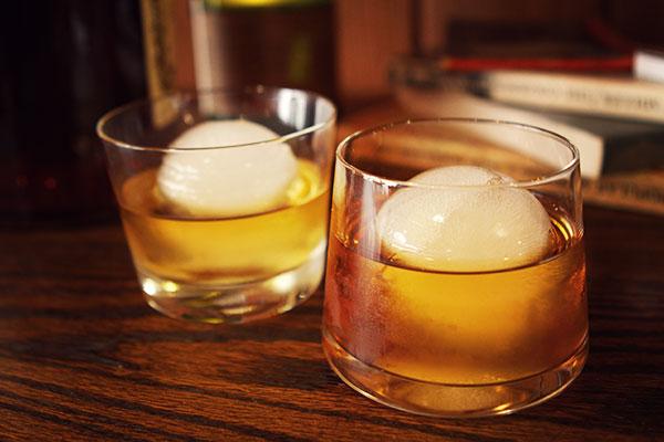Reveiw Of The Original Whiskey Ball Gadgetking Com