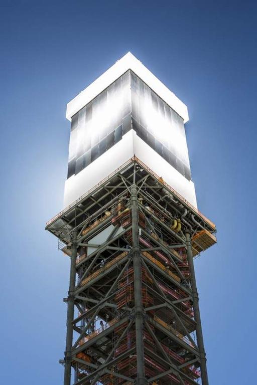 Ivanpah_Solar_Tower