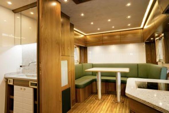 Mercedes_Zetros_6x6_Kitchen