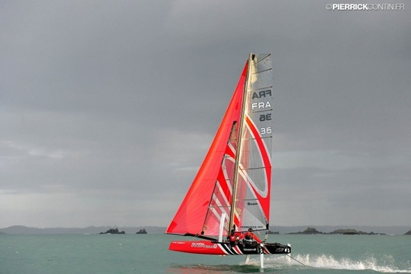 flying-phantom-levitating-catamaran-1