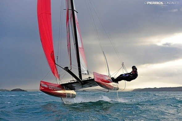 flying-phantom-levitating-catamaran-6