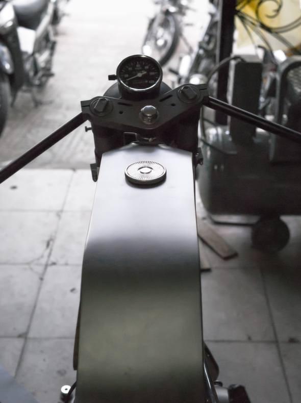 Bandit9 Bishop Motorcycle Build Update 2 top tank