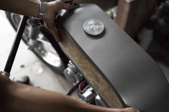 Bandit9 Bishop Motorcycle Build Update 2 tank 2