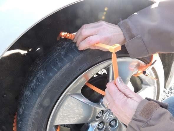 ZipGripGo Zip-tie tire traction