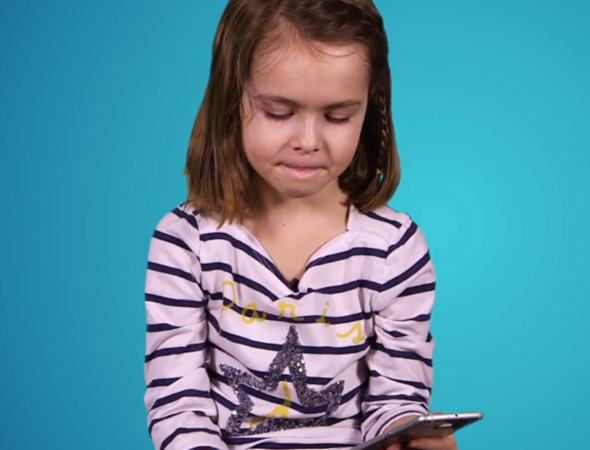 Kids choose between Samsung S6 and Apple iPhone 6