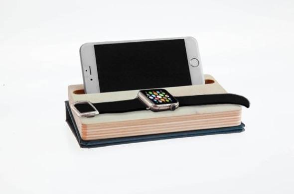 Dodocase Apple Watch and iphone Dock