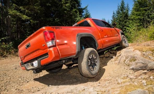 2016-Toyota-Tacoma-TRD-Off-Road-4x4-Hill-Climb