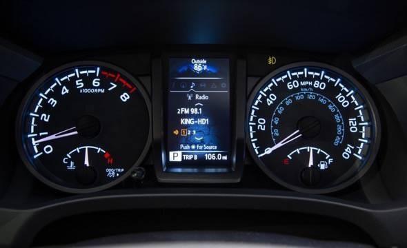 2016-Toyota-Tacoma-TRD-Sport-4x4-speedometer
