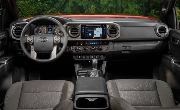 2016-Toyota-Tacoma-dash