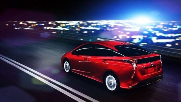 2016-toyota-prius-side-view