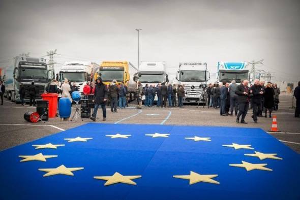 Self Driving Semi Trucks Europe