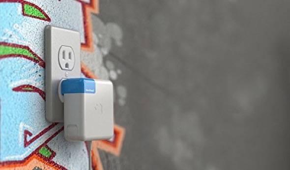 ten-one-blockhed-side-facing-macbook-adapter-plug