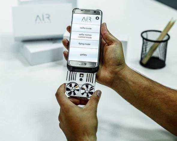 airselfie-flying-selfie-drone-in-phone-case