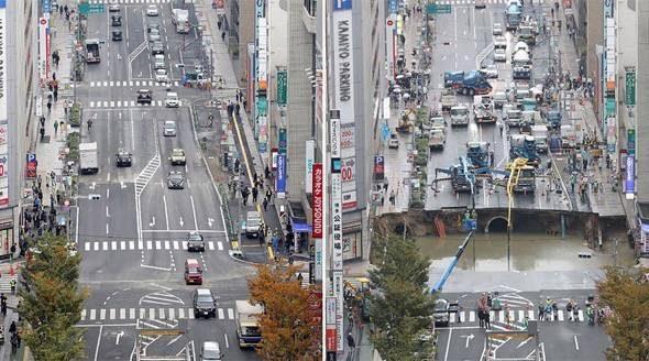 fukuoka-japan-sinkhole-repaired-in-one-week