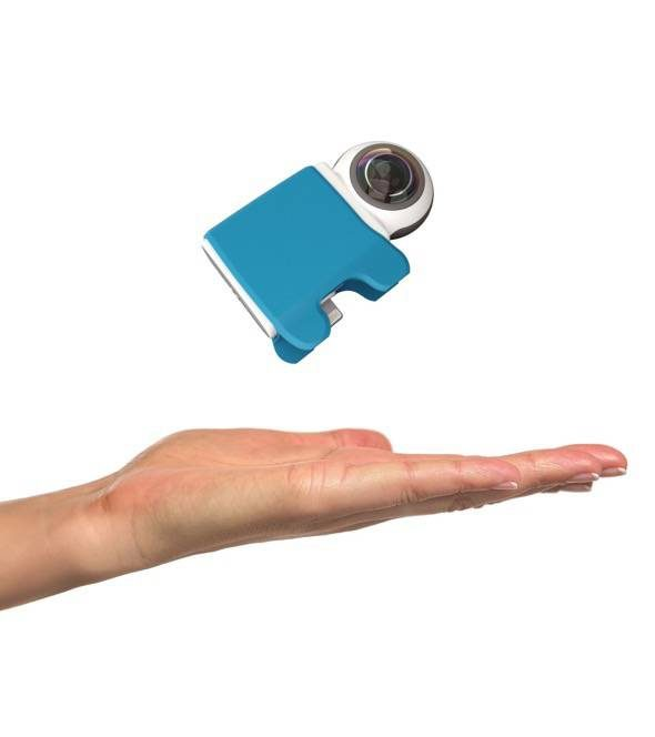 giroptic-io-hand-360-degree-iphone-camera