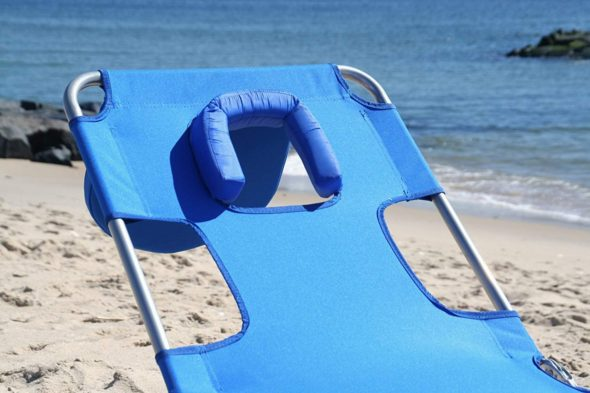 Face Down Beach Chair With Face Hole Ostrich 1