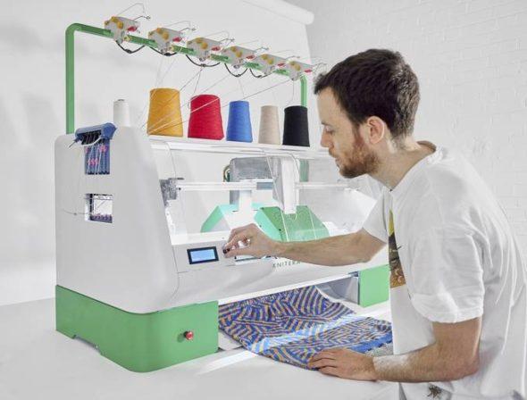 Kniterate Knitting Machine