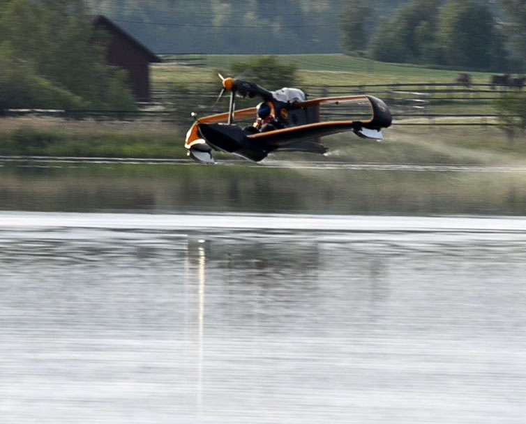 FlyNano Light Water Plane 2
