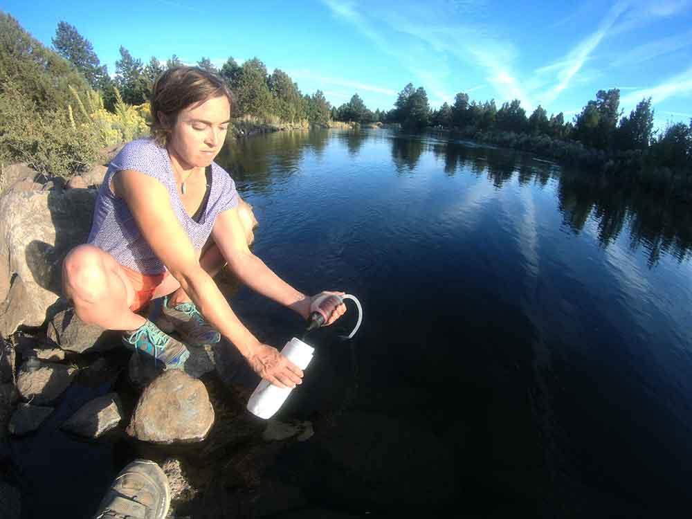 msr_trailshot_pocketsized_water_filter_Lake