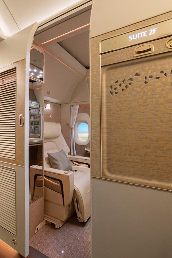 emirates-first-class-suites-Door