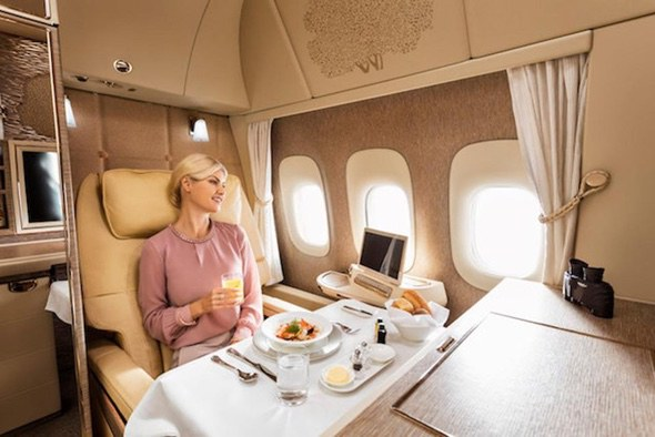 emirates-first-class-suites-dining