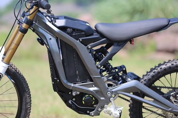 Sur-Ron_Electric_Off-Road_Bike_9
