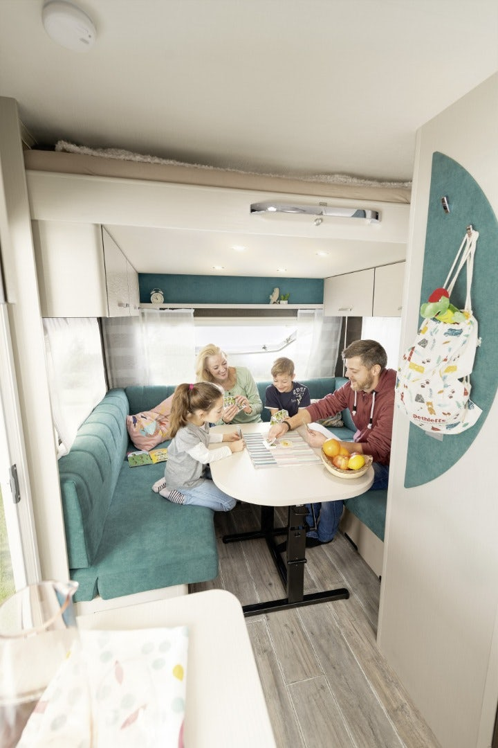 dethleffs-cgo-up-caravan-family