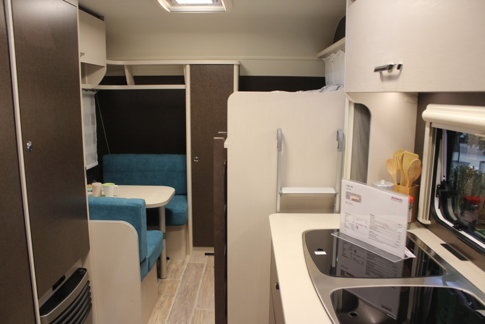 dethleffs-cgo-up-caravan-kitchen