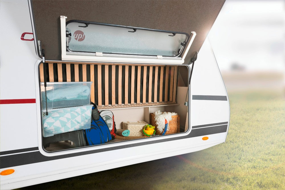 dethleffs-cgo-up-caravan-rear-trunk