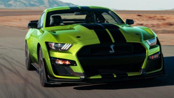 2020-Shelby-GT500-Grabber-Lime