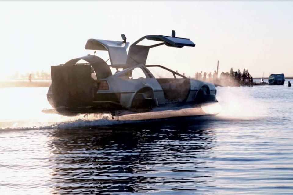 Delorean Hovercraft 1