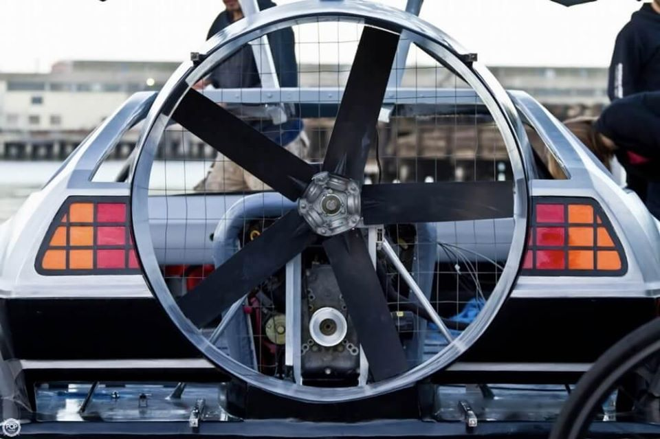 Delorean Hovercraft 4